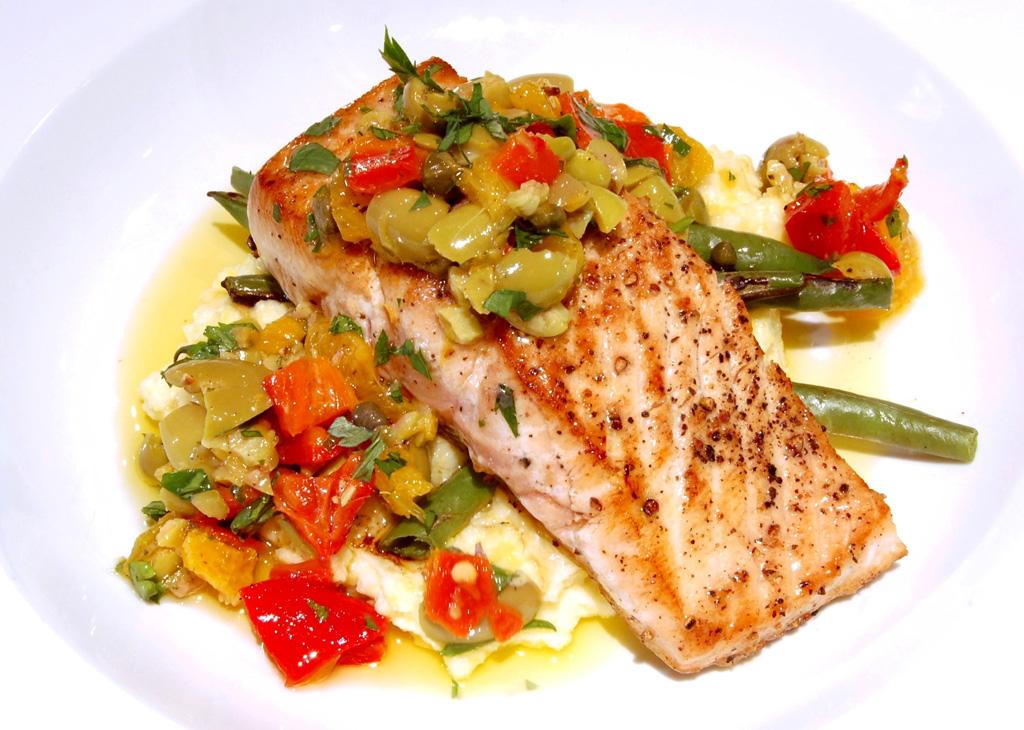 Grillowana ryba z warzywami