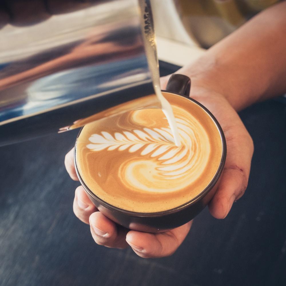Zdobienie kawy